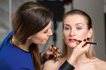 Anna Eckhardt bei DIOR Make-up Masters, Lippenmake-up